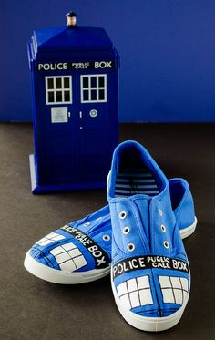 TARDIS Sneakers *Tutorial* | cooking ala mel by cookingalamel, via Flickr