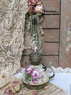 Decor, Diy And Crafts, Shabby, Shabby Vintage, Ladder Decor, Vintage Decor, Decoupage, Vintage Lamps, Victorian Lamps