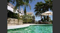 Beautiful Rustic Style Villa for Sale with Views in Benahavis, Costa del Sol. 2.950.000€