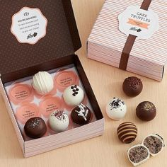 From sweet and salty lovers to chocolate and vanilla purists, this is a gift… Dessert Packaging, Bakery Packaging, Cookie Packaging, Packaging Ideas, Cake Truffles, Chocolate Truffles, Chocolate Dipped, Lemon Truffles, Coconut Truffles