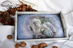 świąteczna i zimowa drewniana taca decoupage, dziadek mróz, mikołaj, vintage, szaro,  - christmas winter decoupaged serving tray, grey, vintage, old santa claus Decoupage, Painting, Vintage, Art, Art Background, Painting Art, Kunst, Paintings, Vintage Comics