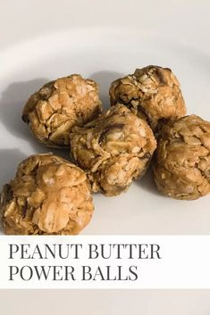 One of my favorite snacks to have on hand are peanut butter power balls. They are easy to make, require no baking, and are DELICIOUS. Get the recipe. Peanut Butter Power Balls, Peanut Butter Snacks, Peanut Butter Roll, Peanut Butter Protein, Dessert Light, Oatmeal Chocolate Chip Cookies, Balls Recipe, Calories, Desserts