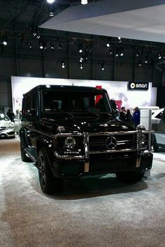 Triple black glossy Mercedes G-Wag for her
