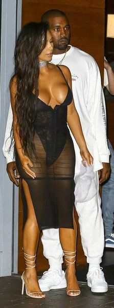 61faa5bf7ec Kim Kardashian Photos Photos - Kim Kardashian and Kanye West were spotted  leaving their hotel in Miami