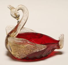 Fratelli Toso ruby art glass swan. Glass Figurines, Glass Animals, Stained Glass Art, Colored Glass, Swan, Decorative Bowls, Sculpture, Marbles, Porcelain