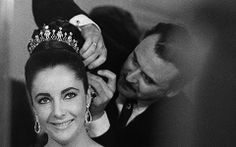 Elizabeth Taylor wearing the Mike Todd diamond tiara