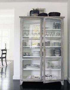 Rosen Scandinavian glass cabinet