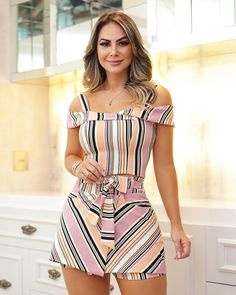 Pin by laura sepulveda on moda moi in 2019 Casual Skirt Outfits, Summer Outfits, Cute Outfits, Star Fashion, Fashion Outfits, Womens Fashion, Sexy Dresses, Short Dresses, Moderne Outfits