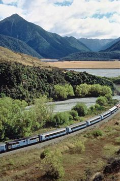 TranzAlpine Train - Christchurch to Greymouth. Travel by Train in New Zealand