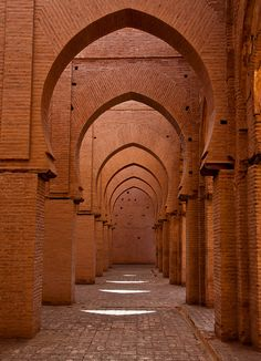 bent-el-maghrib:    Mosque in Agnie by TonyGW on Flickr.  Marrakech, Morocco