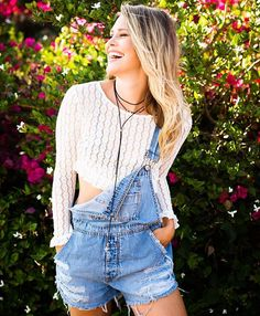 WEBSTA @ shoptrendyandtipsy - We are all smiles this Wednesday Get @nicolekayclark entire look online or in-store! #trendyandtipsy #humpday #ootd #adorsble #style