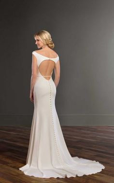 fe7459163e 971 Backless Sheath Wedding Gown with Structure by Martina Liana Structured  Gown
