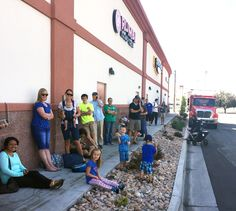 Provo MOOYAH honors new store opening with free fries giveaway