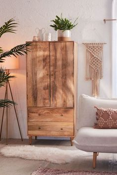 Take a Sneak Peek at Urban Outfitters' Boho Spring Furniture Arrivals Boho Living Room, Living Room Decor, Tropical Living Rooms, Dining Room, Decor Room, Bedroom Decor, Home Decor, Master Bedroom, Living Room Furniture