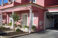 House for sale with 3 bedrooms located in a quiet village close to Sao Martinho do Porto, Silver Coast, Portugal