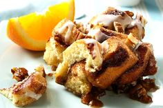 Why yes, we would LOVE a large piece of this Cinnamon Roll Coffee Cake for breakfast today. Don't forget the coffee! Even enough portions to serve a crowd! (Breakfast For A Crowd) Apfel French Toast, Graham, Apple Coffee Cakes, Coffe Cake, Pillsbury Recipes, Dessert Recipes, Breakfast Recipes, Brunch Recipes, Breakfast Ideas