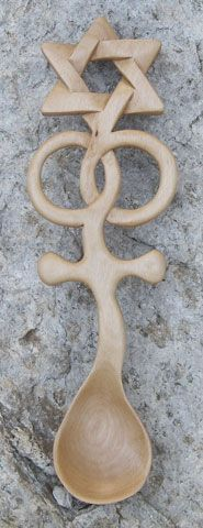 star of david lovespoon! Wooden Crosses by Woody Welsh Love Spoons, Carved Spoons, Wooden Crosses, Chip Carving, Wood Spoon, Star Of David, Wood Turning, Wood Art, Wood Crafts