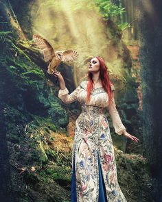@_revenaa_ and Mira from Pod skrzydłami. Dress: @emerald.queen.art Follow me on fb: www.fb.com/wikingart #wild #animal #owls #owl #bird #redheads #redheadgirl #redgirl #polishphographer #polishgirl #polskadziewczyna #polskafotografia #fineartphotography #fineartphoto #fineart #fineart_Photo #earth_portraits #rsa_portraits #ig_podium #unifilmphoto #instapic #instaportrait #instaphoto #portrait_mood #portraitpage #portraits #discover_portrait #majestic_people #photoshoot