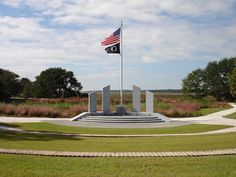 4 Hidden Bike Paths on Hilton Head Island. #VeteransMemorial #SCLowcountry