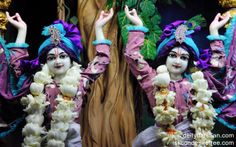 To view Gopinath Close Up Wallpaper of ISKCON Chowpatty in difference sizes visit - http://harekrishnawallpapers.com/sri-sri-nitai-gaurachandra-close-up-wallpaper-004/