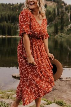 Rust midi dress with floral print. Modest dresses made for women on the go. See more modest dresses for women at our dress boutique in Logan and Salt Lake City Utah. Source by chelseaschult dresses for women Women's Dresses, Modest Dresses For Women, Fall Dresses, Dresses Online, Dress Outfits, Casual Dresses, Summer Dresses, Ladies Dresses, Birthday Outfit