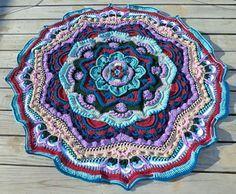 Mandala Madness ~ free pattern ᛡ (Red Heart Yarn)
