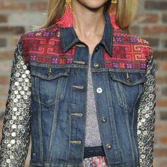 chaquetas con mezcla de materiales simbolos culturales