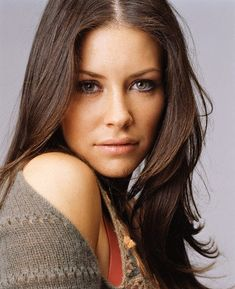 Evangeline Lilly - love the chocolate hair colour!