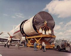 shown being offloaded from a Super Guppy on April 1967 at Mather AFB as the stage was making its way back to SATCO for storage. Apollo Space Program, Nasa Space Program, Programa Apollo, Lunar Lander, Space Engineers, Apollo Missions, Space Race, Other Space, Moon Landing