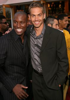 Welcome to my univers!! http://shoutout.wix.com/so/cKmdXKBY#/main Paul Walker posed with Tyrese Gibson at the LA premiere of 2 Fast 2 Furious in June 2003.
