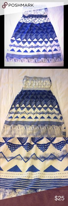 "Old Navy Strapless Dress - Size 1X Adorable strapless dress!! Worn once - EUC!! Fully lined. 100% Rayon  Smoke free, pet free home!  Armpit to Armpit: 22"" stretched  Center top of bust line to bottom hem: 33"" Old Navy Dresses Midi"