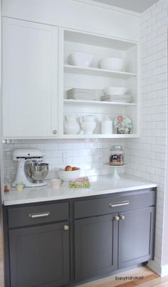 to find the perfect white paint white kitchen with grey cabinets!white kitchen with grey cabinets! Two Tone Kitchen Cabinets, Kitchen Cabinet Colors, Grey Cabinets, Painting Kitchen Cabinets, Kitchen Redo, New Kitchen, Kitchen Remodel, Kitchen Paint, Kitchen Cabinetry