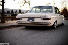WatercooledSociety, Audi 100 LS on air & Rotiforms