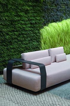 Manutti // Kumo patio sofa. Our Kumo collection brings you in no time in relax modus - Kumo Collection #outdoorfurniture #outdoorluxury Outdoor Sofa, Modern Outdoor Furniture, Garden Furniture, Outdoor Spaces, Outdoor Living, Outdoor Decor, Furniture Ideas, Modern Garden Design, Contemporary Garden