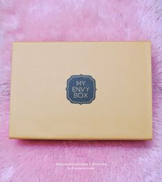 MillionDollarLooks Makeup and Beauty Blog | Indian makeup and beauty blog: My Envy Box August edition Review and Pictures