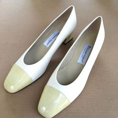 Etienne Aigner Two Toned Off White Cream Patent Leather Pumps Shoes US Womens 10…