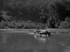 Car fording creek up Morris Fork of the Kentucky River. Appalachian People, Appalachian Mountains, Old Pictures, Old Photos, Hatfields And Mccoys, My Old Kentucky Home, Down South, Historical Sites, Fork