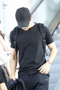 Tao Exo, Park Chanyeol Exo, Kyungsoo, Chanbaek, Chansoo, Kyung Hee, Exo Members, Airport Style, Airport Fashion