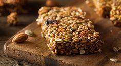 CooKing TaBLe: Elaichi Granola Bar Healthy Snacks with Chef Adity. Vegan Protein Snacks, Healthy Granola Bars, Healthy Snacks, Healthy Recipes, Bar Recipes, Healthy Vending Machines, Granola Barre, Snacks Sains, Night Snacks