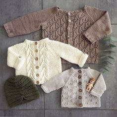 Norwegian Fir, Top down cardig Baby Knitting Patterns, Knitting For Kids, Free Knitting, Knitting Projects, Knitted Baby Clothes, Baby Kids Clothes, Doll Clothes, Baby Cardigan, Pinterest Baby