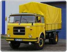 Skoda 706 RT Old Trucks, Fire Trucks, Classic Trucks, Classic Cars, Road Hog, Car Camper, Yellow Car, Heavy Machinery, Transporter