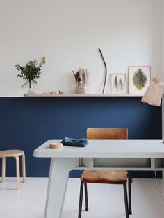 Blue Half Painted Walls in children's rooms Half Painted Walls, Half Walls, Estilo Interior, Interior Styling, Home And Living, Living Room, Turbulence Deco, Blue Walls, New Room
