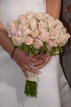 #bridal#bouquet#blush#roses#green#hypericum Blush Roses, Bridal Bouquets, Floral Wreath, Wreaths, Green, Flowers, Home Decor, Pink Roses, Wedding Bouquets