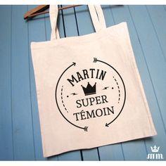 ote bag Super témoin Couronne noire, idéal comme cadeau pour vos témoin pour leur annoncer la bonne nouvelle. Ce tote bag est un souvenir original à conserver.