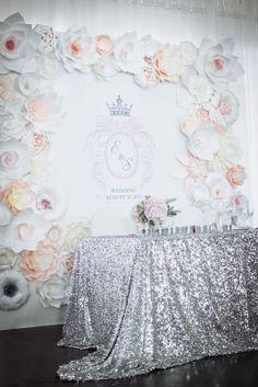 Августовская свадьба Евгении и Сергея - flowerbazar.ru, стол жениха и невесты, президиум, бэквол, задник стола жениха и невесты