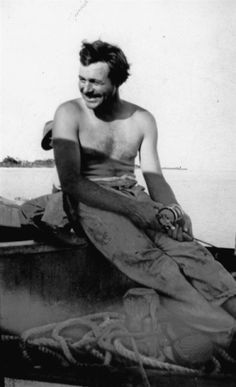 Ernest Hemingway ,fishing, Key West, 1928 & man who has begun to live more seriously within begins to live more simply without. Ernest Hemingway, Hemingway Quotes, Hemingway House, Good Books, Books To Read, Key West Florida, Florida Keys, Anais Nin, Books