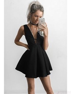 2017 homecoming dresses, cute black homecoming dresses, sexy homecoming dresses,short mini homecoming dresses, v-neck homecoming dresses, cocktail dresses, graduation dresses, beautiful party dresses #homecomingdresses #SIMIBridal
