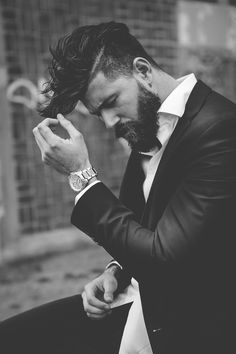 Cabelo, barba e estilo.