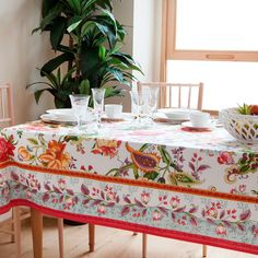 Floral cotton tablecloth and napkin, from £9.99, Zara Homeghkuk Zara Home España, Floral Tablecloth, Home Textile, Life Is Beautiful, House Colors, Home Accessories, Napkins, Table Settings, Floral Prints