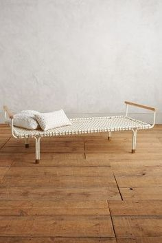 Handwoven Trellis Daybed